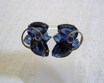 Gorgeous 1960s Big Blue Teardrop Rhinestone Clip Earrings