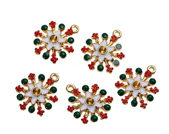 "5 RED and GREEN POINSETTIA Flower Christmas Charms or Pendants, Snowflake, Gold Plated with enamel, 7/8"", chg0432"