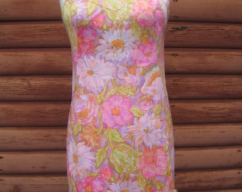 Adorable Vintage Pink Slip with Gorgeous Flower Print