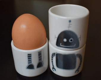 Robot stacking egg cups - Single sided (Dark Round)