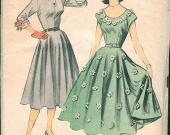 Pretty Unused Vintage 1950s Advance 5846 Full Skirted Scoop Neck or Button-Up Dress Sewing Pattern B33