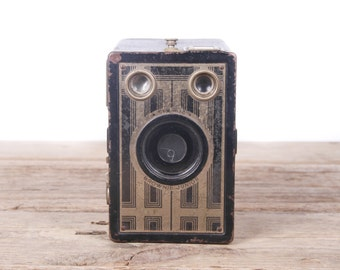 Vintage Brownie Junior Six-16 Camera / Old Kodak Camera / Antique Kodak Box Camera / Retro Camera / Black Gold Camera / Display Prop Decor