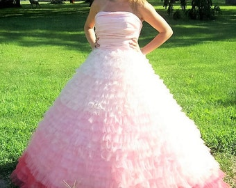 Vintage Ladies Strapless Pink Cinderella Ball Gown Formal Quinceanera Dress by Sherri Hill Only 101 USD