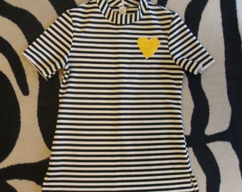 1970's 1960's BLACK and WHITE STRIPED mockneck shirt S
