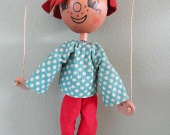 B736)  Vintage Pelham Wood Puppet made in England