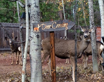 Deer Crossing Lawn Ornament Sign - Doe Buck Forest Creature Cabin Decoration - Cedar Wood Decor