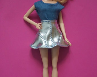 Barbie Fashionistas hot silver mini skirt and blue t-shirt