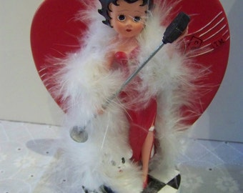 betty boop figurine by madame alexander giftware 7 inch aprox