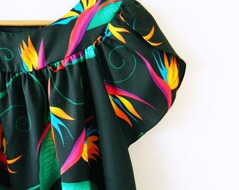 Vintage Birds of Paradise Dress / Retro Hawaiian Floral MuuMuu / Black Tropical Dress / Vintage Hawaiian Luau Dress