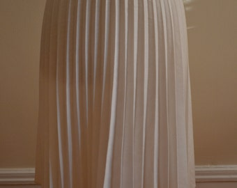 1940s Style 70s White Accordion Pleated Skirt