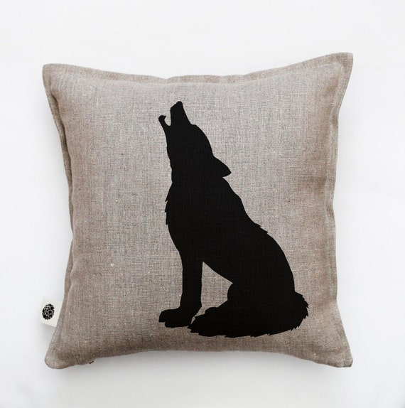 Wolf pillow - decorative wolf pillow cover - cushion case - throw pillow - wolf print on pillow - forest animal pillow - linen pillow- 0386
