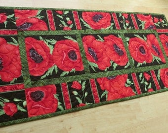 Quilted Table Runner Quilt Red Poppy Flora 566