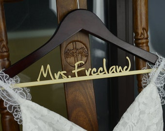Personalized Rustic Wedding Dress Hanger, New-tech Bride Bridesmaid Wood Name Hanger, Custom Wedding Bridal Hanger, Bridal Shower Gift CM004