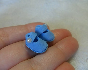 Baby Shoes,miniature,scale 1:12.dollhouse