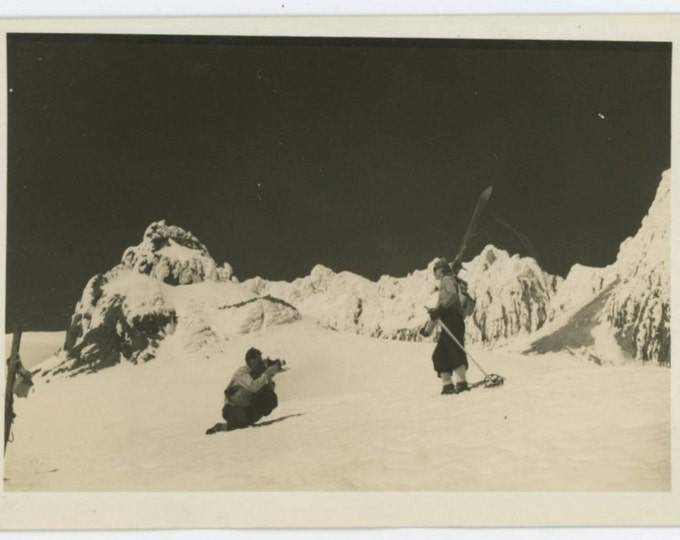 Photographing a Skier, c1930s Vintage Snapshot Photo (66473)