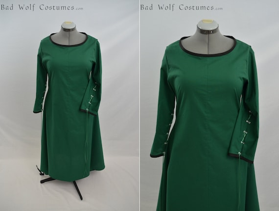 Simple Medieval Dress with sleeve lacing and color options