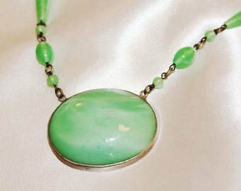 Breathtaking Majestic Antique Art Deco GREEN Poured Czech GLASS Necklace NG