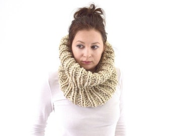 ON SALE Chunky Cowl // The London // in Oatmeal
