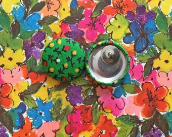 Vintage Inspired Button Earrings / Green Floral / Fabric Covered / Bulk Jewelry / Gifts for Her / Stud Earrings / Bridesmaid Presents