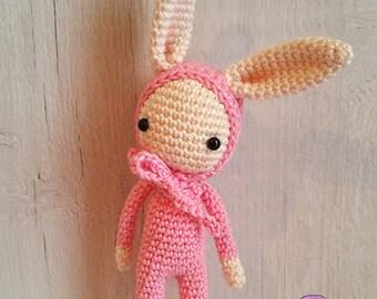 Pink bunny (amigurumi)