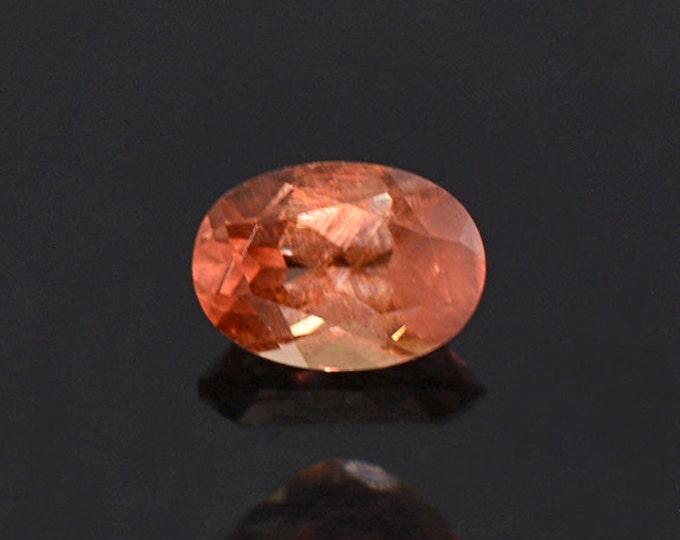 Pretty Color Shift Garnet Gemstone from Tanzania 0.95 cts