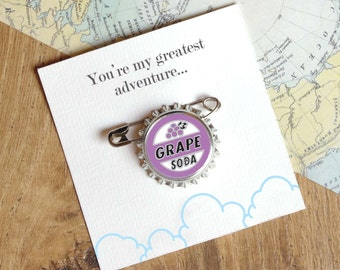 Grape Soda Badge - Bottle Cap Pin – Lapel Pin - Wedding Gift – Girlfriend Gift – Boyfriend Birthday Present - Wedding Anniversary Present