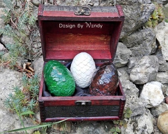 Cosplay props dragon eggs in wooden box, size M, cosplay costume accessories fandom gift, geekery, geek decor birthday gift