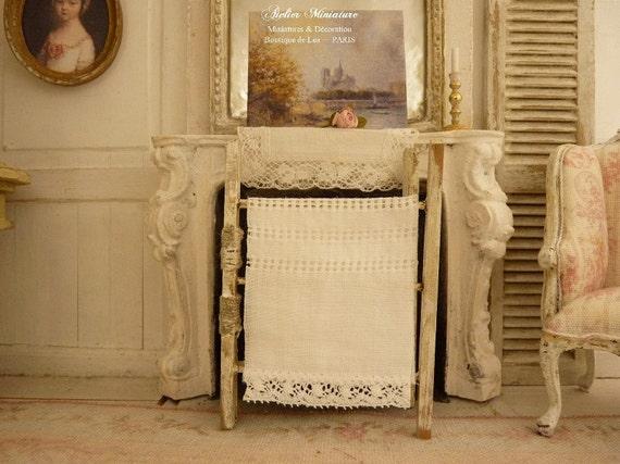 Stendino in legno shabby chic bianco miniatura invecchiato for Scala in legno shabby