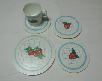 5 Piece Set of Vintage 1970s Strawberry Toy Plastic Dishes by Chilton Toys, Manitowoc, Wisconsin, Plate, Saucers, Cup, Vintage Toy Dishes