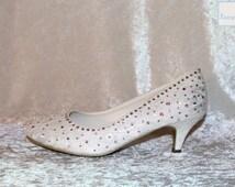 Dazzling Swarovski Crystal court shoes - Hand embellished Sparkling Ivory lace shoes - Genuine Swarovski crystals - Low heeled wedding shoes