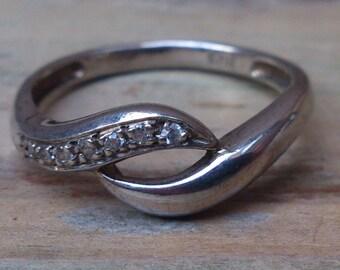 Vintage sterling silver swirl design ring