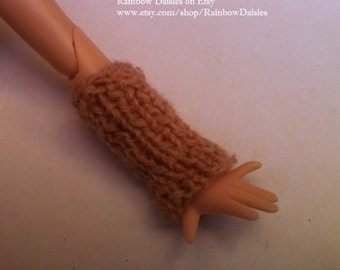 Beige hand knitted leg/arm warmers for Azone, Blythe, Momoko