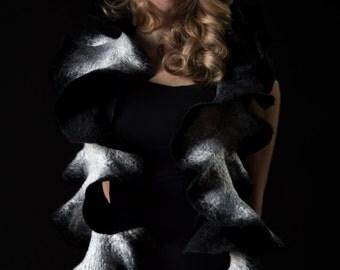 DUOLICITY B&W frilly felted ruffle scarf, merino wool, silk fibers, black and white