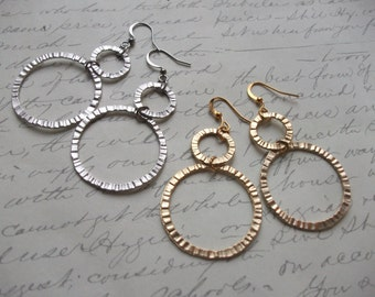 Hammered circles earrings (gold or silver)
