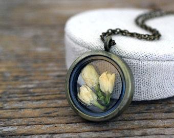 Jasmine Necklace, Jasmine Jewelry, Real Jasmine, Dried Jasmine Locket, Terrarium Locket, Dried Flowers Jewelry, Real Flowers Locket