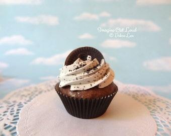 Fake Cupcake Chocolate Cookies N Cream with Sandwich Cookie