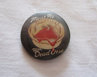 Vintage Australian humour pin badge - Meat pie with dead 'orse