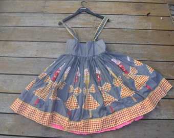 Vintage women's 1960s Rockabilly dress Size AUS 10 Size 8 US