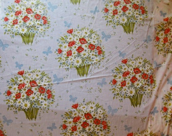Vintage Butterflies and Bouquets Full Size Blue, Yellow, and Red Wildflowers with Green Leaves and Blue Butterflies Bed Fitted Sheet
