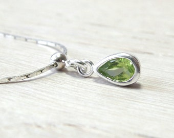 August birthstone Peridot necklace  Delicate necklace Simple silver necklace August Birthday Gift Peridot Jewelry birthstone necklace