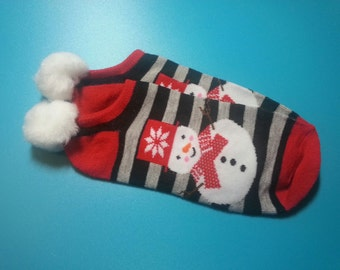 Christmas Snowman Pom pom Socks, 1 pr. - shoe sz. 5 to 10 - Tweens, Teens, Adults -  Holiday, Festive Wear
