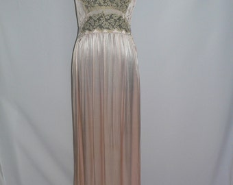 Beautiful  1940's Pink Satin and Alencon Lace Negligee