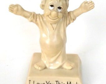 Vintage 1960s Russ Berrie & Co I love You This Much Figurine Collectible USA
