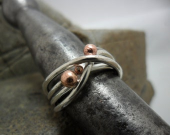 Ring in sterling silver with copper beads