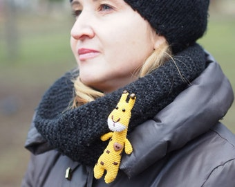 animal brooch, figure giraffe, toy hook, miniature, giraffe brooch, baby toys, crochet brooch, children gift, cute gift, handmade toy