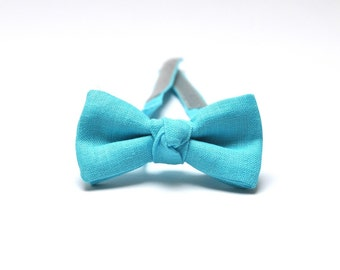 Boys Bow Tie in light blue. Linen Bow Tie. Kids Bow Tie. Ring Bearer Bow Tie