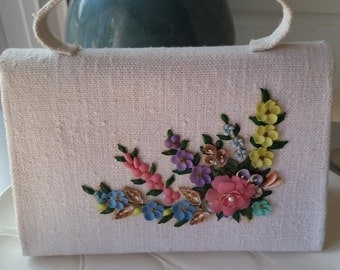 Vintage Springtime Handbag in White Linen and Seashell Flowers