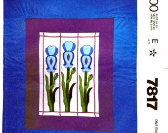 Vitrail de couette motif Iris printemps fleur Quilt des années 1980 couture patron McCalls Queen Size 7817 complet non-coupe