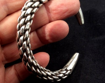 Very interesting Sterling Silver Vintage Bracelet.  Native American Chain Cuff. free US ship