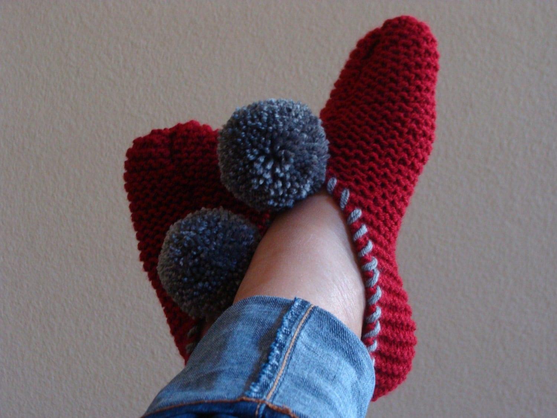 PATTERN 105: Beginner Knit Pom-pom Slipper Pattern Fits